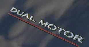 Tesla Dual Motor Performance badge